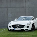 106201-mercedes-benz-sls-amg-roadster-official-photo