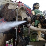 The_Sultans_Elephant_spraying_water