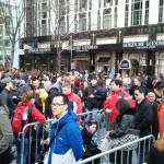 Όταν ο Άγγελος Σφακιανάκης ήταν έξω από το κατάστημα της Apple, στην 5η Λεωφόρο, στη Νέα Υόρκη