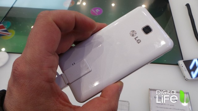 LG Optimus F5 (3)