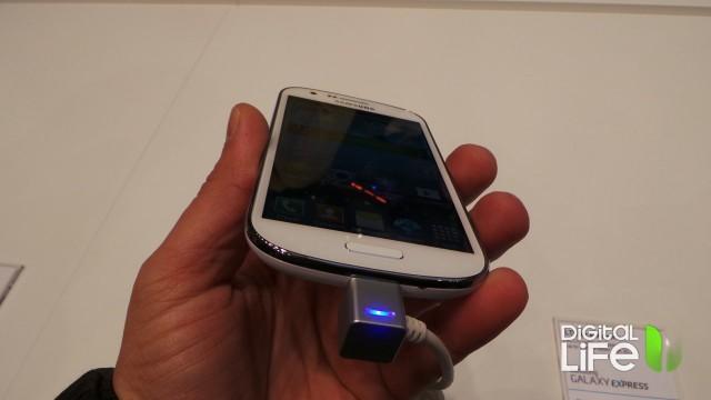 Samsung Galaxy Express (4)