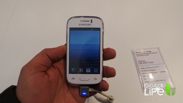 Samsung Galaxy Young (1)