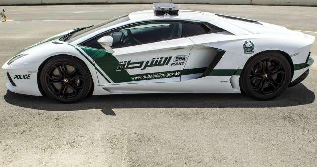 Lamborghini-Aventador-Dubai-Police-05