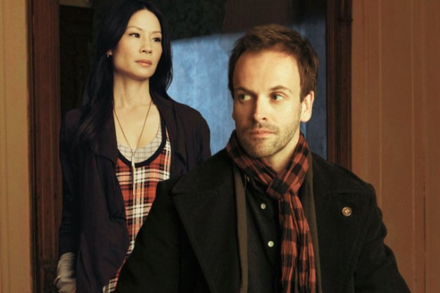 Lucy-Liu-and-Jonny-Lee-Miller-of-CBS-Elementary