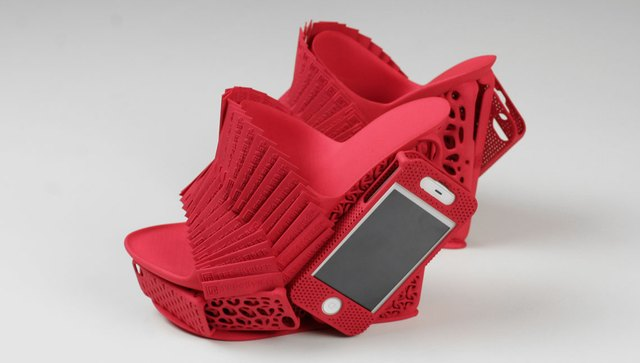 3d-iphone-mashup-shoe