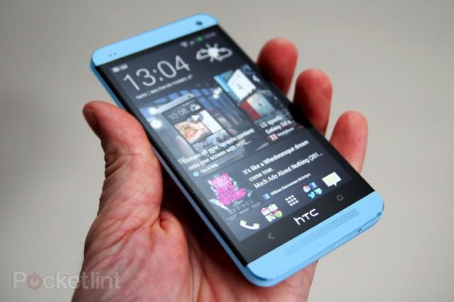 HTC One Blue MockUp