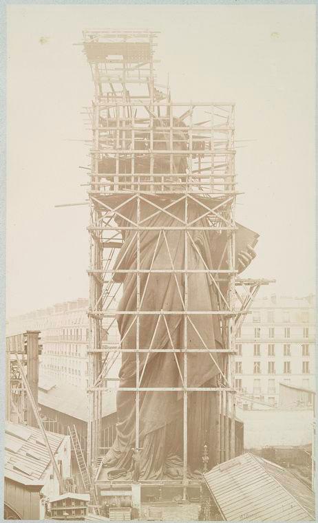 rare-photos-statue-of-liberty-under-construction-1883-10