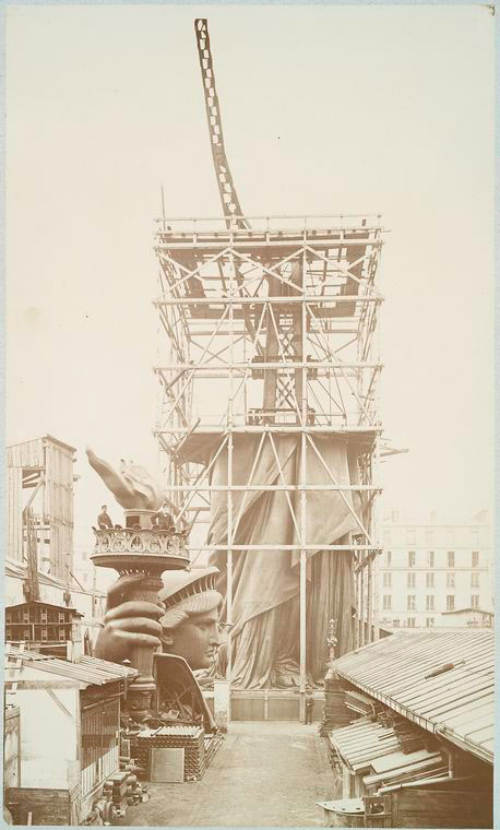 rare-photos-statue-of-liberty-under-construction-1883-9