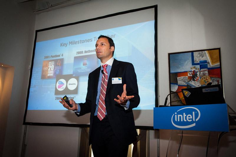 Ο Νορμπέρτο Ματέος Καράσκαλ μιλώντας για πολλά και ενδιαφέροντα πράγματα: από τους νέους επεξεργαστές της Intel και τα τεχνολογικά trends, μέχρι το κοινό στο οποίο απευθύνεται η εταιρεία του και τις… ανακοινώσεις της Ε3!