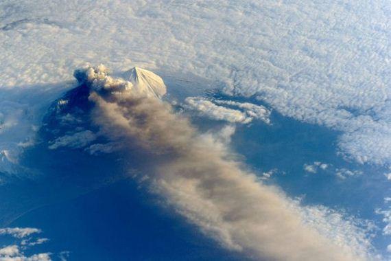 03-volcano