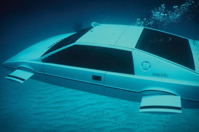 james-bond-lotus-esprit-submarine-car-xl