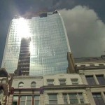 London's 'Walkie Talkie' skyscraper reflects light hot enough to fry an egg - video
