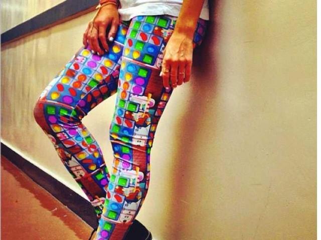 Τρέλα για το Candy Crush Saga. Ιδού κάποιος που το φορά σε... παντελόνι!