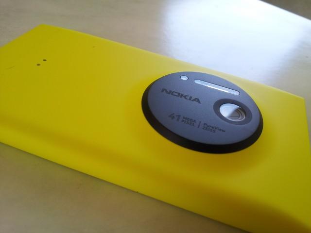 lumia10203