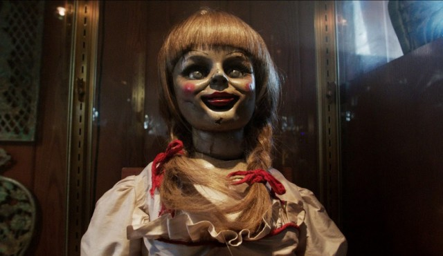 the-conjuring-annabell-the-doll-face-glass-case-1024x595