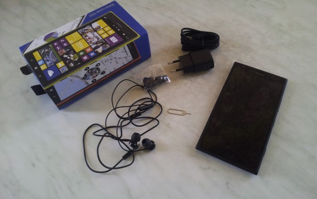 nokia-lumia-1520-box (Medium)