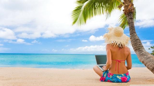 tablet-on-the-beach