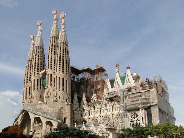 Sagrada_Familia (Medium)