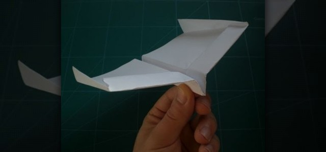 fold-record-setting-glider-style-paper-airplane-guinness-world-records.1280x600