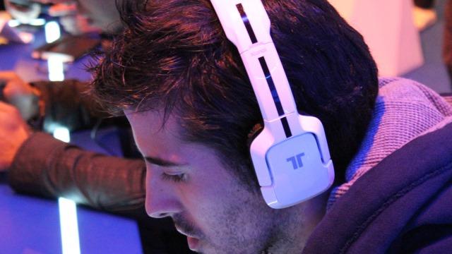 gamer-listening-to-music