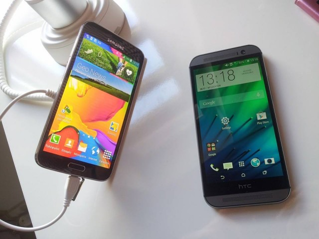 Samsung-Galaxy-S5-vs-HTC-One-M8
