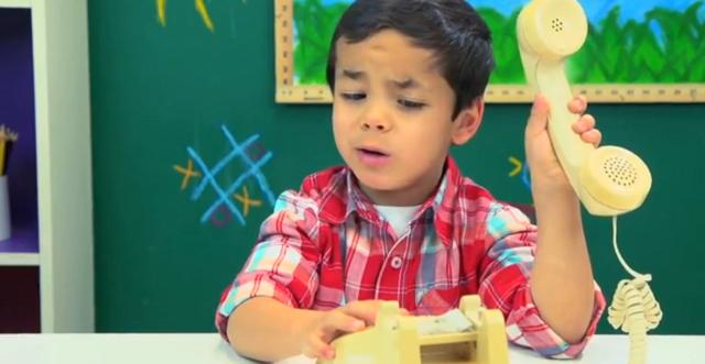 kids-react-to-rotary-phones