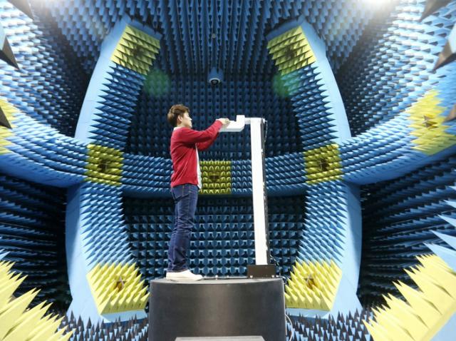 S5-Foam-room-measures-radiation