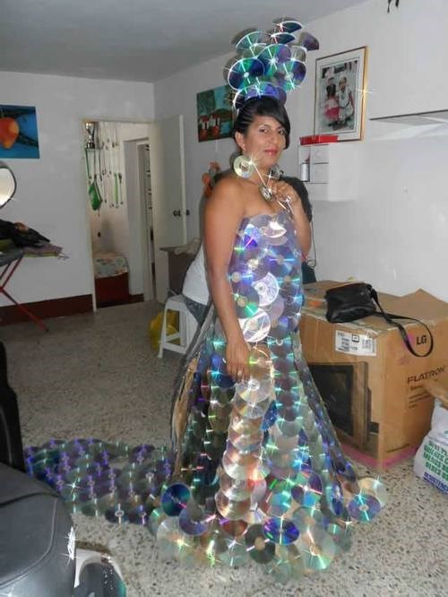cd-dvd-dress