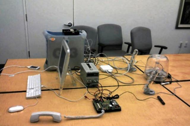 Το δωμάτιο όπου ο Greg Christie πραγματοποιούσε δοκιμές πάνω στο πρώτο iPhone