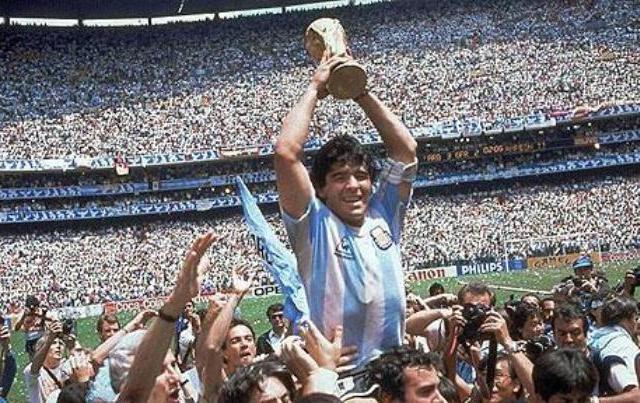 Diego_Maradona_1986
