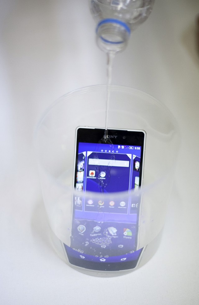 Sony Xperia Z2 water
