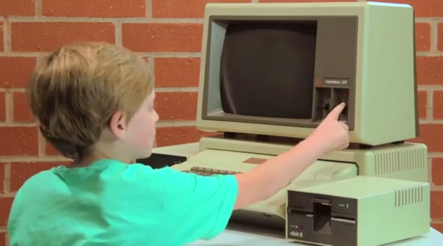 old-computer-kids-react