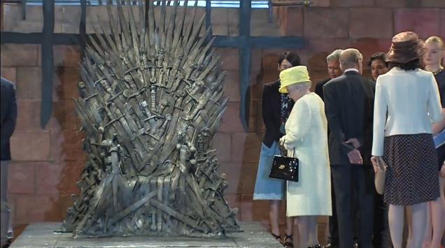 Elizabeth II Game of Thrones 01