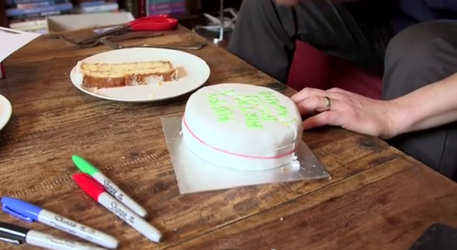the-scientific-way-to-cut-a-cake-02