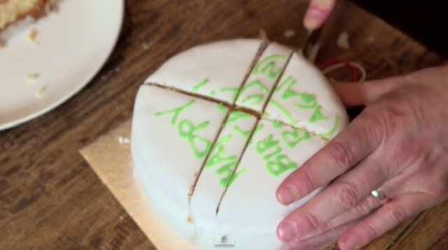 the-scientific-way-to-cut-a-cake-03