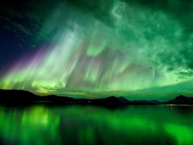 NASA aurora_10-8-2012_Hugo_Lohre