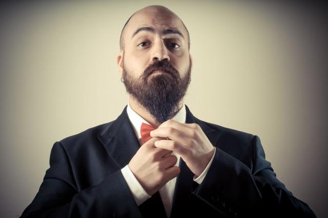 Man-grooming-beard