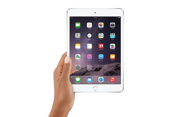 iPadMini3-HandHold-PRINT