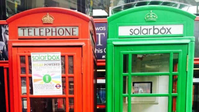solarbox-phone-box-charging