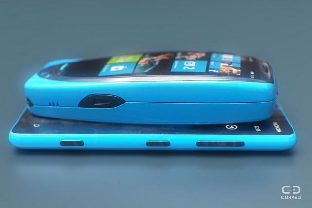 Nokia-3310-Ericsson-T28-smartphone-04