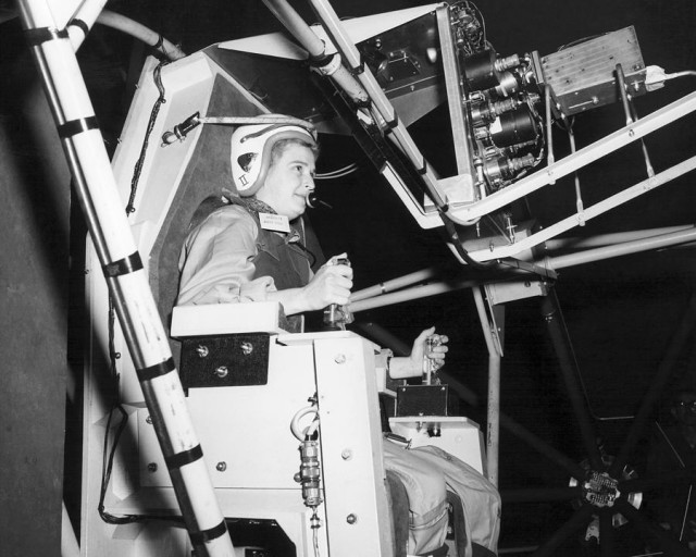 female-astronaut-training-nasa-jerrie-cobb