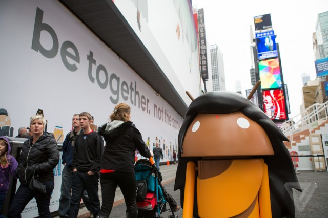 google-billboard-times-square-the-verge-06