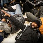 Apple-Store-5th-Avenue-Protesters