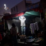 light-bulb-street-vendor-india-daniel-berehulak-getty