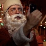 santa-uses-iphone-4