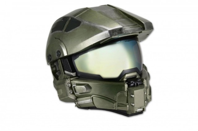 NECA-Halo-Master-Chief-motorcycle-helmet-1024x682