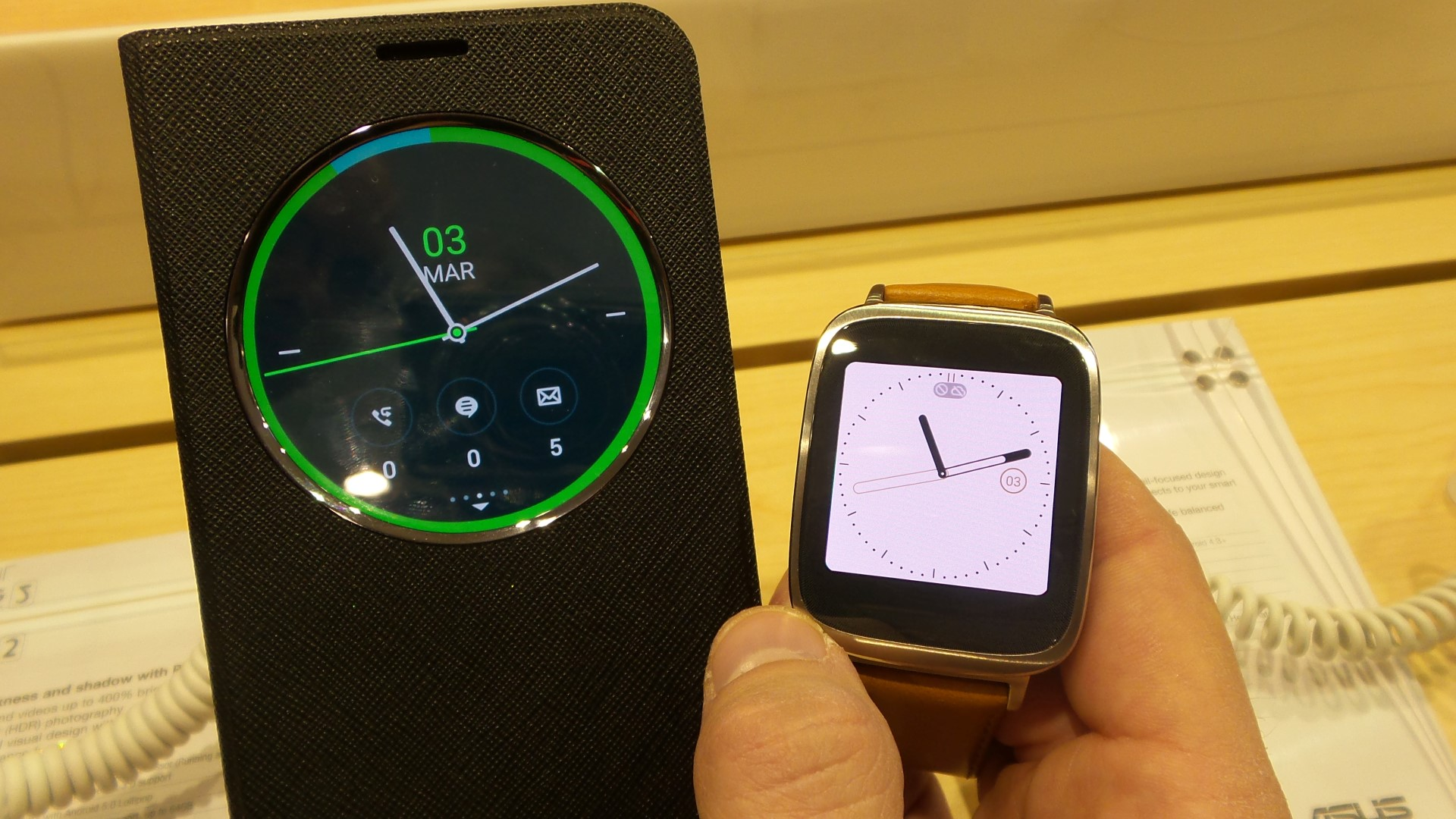 asus zenwatch hands on pics mwc 2015. Black Bedroom Furniture Sets. Home Design Ideas