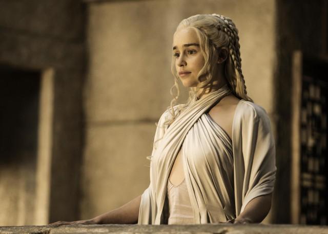 Game-of-Thrones-Season-5-Emilia-Clarke-as-Daenerys