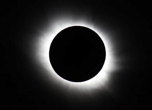 The total solar eclipse seen from Svalbard