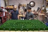Οι MythBusters έφτιαξαν το λαβύρινθο του The Shining!
